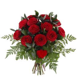 Bukiet 15 róż z sercem